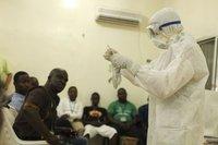 Ebola'da bilanço kabarıyor: 729 ölü