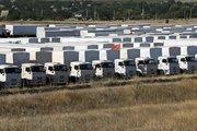 Rus yardım konvoyu dağıtıma hazırlanıyor