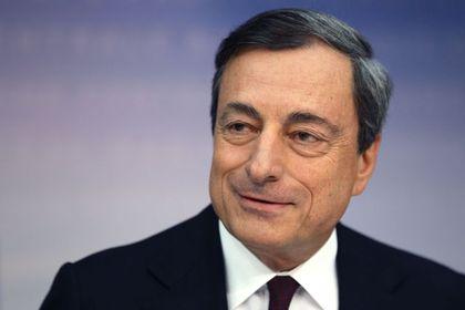 Draghi: İşsizlik konusunda daha ileri adımlar atmaya hazırız - Avrupa Merkez Bankası Başkanı Mario Draghi, Jackson Hole'da yaptığı işsizlik konulu konuşmasında, Euro Bölgesi'ndeki işsizlik sorununun çözümü için daha ileri adımlar atmaya hazır olduklarını belirtti
