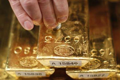 Altın 2 ayın düşüğünün yakınında tutundu - Altın, birbirini dengeleyen faktörler ile birlikte 2 ayın en düşük seviyesinin yakınında tutundu  (19:37'de güncellendi)