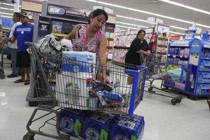 ABD'de tüketici güveni beklentinin üstünde - ABD'de tüketici güveni Ağustos'ta beklentileri aşarak ekonomi ile ilgili olumlu havaya katkı sağladı