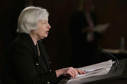 Fed büyüme tahminlerini aşağı yönlü revize etti - ABD ekonomisine ilişkin tahminlerini güncelleyen Fed, ekonominin bu yıl yüzde 2 ile yüzde 2,2 arasında büyümesini beklediğini belirtti. Bankanın Haziran ayındaki tahminlerinde ise bu oran yüzde 2,1 ile yüzde 2,3 arasındaydı