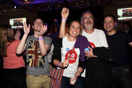 İskoçya bağımsızlık referandumundan 'hayır' çıktı - İskoçya bağımsızlık referandumunda 'hayır' oyları çoğunlukta çıktı. İskoçlar 307 yıllık birliği devam ettirme kararı aldı