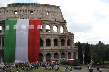 AMB İtalya tahvili satın aldı - Avrupa Merkez Bankası (AMB) varlık alım programının ikinci gününde ipotekli İtalya tahvili satın alımı gerçekleştirdi