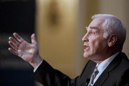 Fed, bankalara karşı icraata geçebilir - ABD Merkez Bankası Fed bankalara karşı kullandığı söylemi icraata geçirme gücüne sahip ancak henüz bunu kullanmayı tercih etmiyor