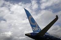 Boeing 2014 kar tahminini artırsa da yatırımcı endişeli