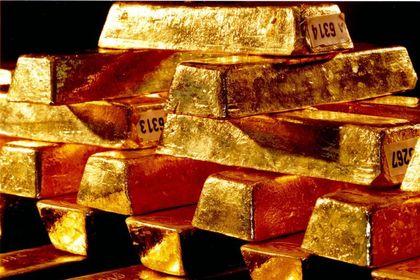 Altın haftalık kayba yöneldi - Altın, ABD ekonomisindeki güçlenme işaretlerinin güvenli liman talebini düşürmesi ile haftalık kayba yöneldi (12:15'te güncellendi)