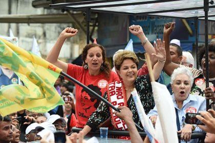 Brezilya'yı seçim sonrası karanlık günler bekliyor - Brezilya'da seçimi hangi adayın kazanacağından bağımsız olarak ekonomiyi kötü günlerin beklediğine dair bir mutabakat var