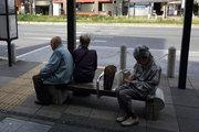 Abe'nin vergi kararı sağlık reformlarını geciktirebilir