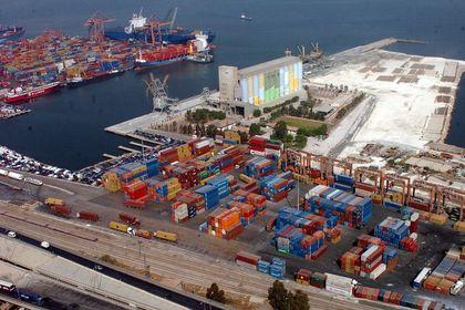 Türkiye'nin dış ticaret açığı azaldı - Türkiye'nin dış ticaret açığı Ekim'de yüzde 15,8 azalarak 6 milyar 252 milyon dolara geriledi