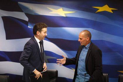 Yunanistan Troyka ile işbirliğine yanaşmıyor - Yunan hükümetinin Troyka ile işbirliğini reddetmesi, ülkenin Mart ayından itibaren fonlama bulamamasına yol açabilir