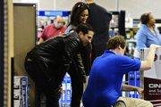 ABD'de tüketici güveni 11 yılın zirvesinden geriledi
