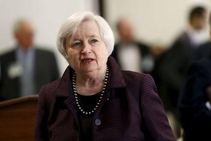 Yellen: Bu yıl faiz artışı bekliyorum - Fed Başkanı Yellen faiz artışının bu yıl gerçekleşmesini beklediğini ifade ederken, sıkılaşmanın aşamalı olacağını söyledi
