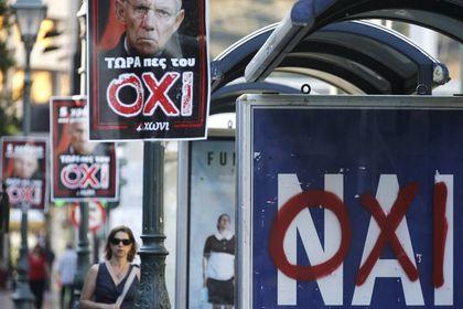 Anketler Yunanistan'ın ikiye bölündüğüne işaret ediyor - Yunanistan referandumuna sayılı günler kala son anketler yarışın kıyasıya geçeceğine işaret ediyor