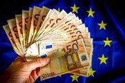 """Euro """"referandum"""" sonrası 1 haftanın en düşüğünde"""