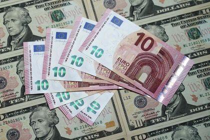 Euro 'zirve' öncesinde zayıflıyor - Euro, Euro Bölgesi maliye bakanlarının Salı günü yapacağı toplantı öncesinde geriliyor (15:20'de güncellendi)