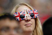İngiltere'nin büyümesi %0.7'ye ivmelendi