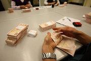 Bankacılık sektörünün aktif büyüklüğü 2,2 trilyon lira