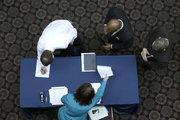 ABD'de işsizlik başvuruları beklenenden daha az arttı