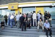 """Yunan bankaları """"rekor"""" düşüşe öncülük etti"""