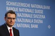 Döviz traderları İsviçre MB'yi zorluyor