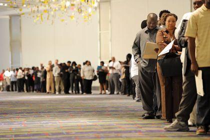 Uzmanlar ABD istihdam verisinden ne bekliyor - Uzmanlar Fed'in faiz artırımı öncesinde en az istihdam verisi  kadar daha başka göstergelere de dikkat edeceğini belirtiyor
