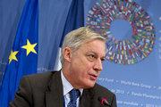 Noyer: Avrupa borç krizinin tümüyle geride kaldığını umuyorum