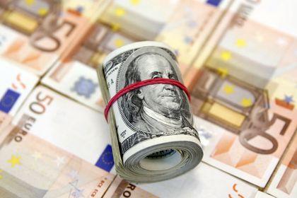 """Dolar ve yen """"faiz beklentileri"""" ile zayıflıyor - Dolar ve yen, Eylül ayına ait istihdam verisinin faiz artırımının 2015'te yapılacağı görünümünü zayıflatması ile değer kaybediyor"""