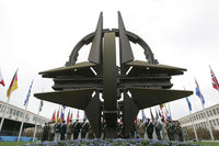 NATO: Rus uçağının ihlali kabul edilemez