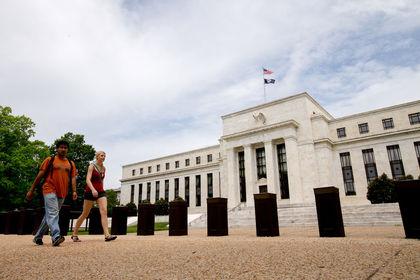 Ekonomistlere göre Fed Mart'ta beklemede kalabilir - Ekonomistlere göre Fed, işsizliğin 8 yılın dibine inmesi ve ücretlerde yaşanan artışa rağmen Mart ayında faiz artırmayabilir
