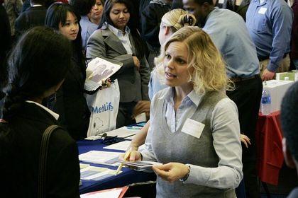 ABD'de işsizlik başvuruları 7 haftanın en düşük seviyesinde - ABD'de işsizlik maaşına ilk kez geçen hafta başvuranların sayısı 269 binle 7 haftanın en düşük seviyesine indi