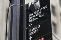Dow Jones'ta kayıp 330 puanı aştı