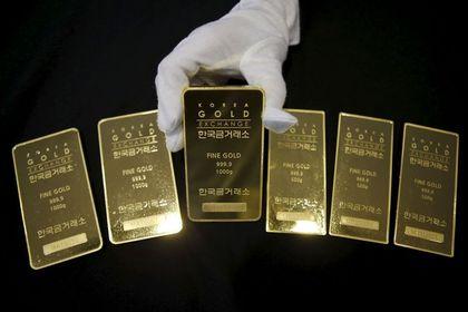 Altın 4 yılın en iyi haftalık performansına ilerliyor - Altın, güvenli liman alımlarının güçlenmesinin etkisi ile bir yılın en yüksek seviyesine çıktı ve dört yılın en iyi haftalık kazancına ilerliyor