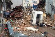 İstiklal Caddesi yakınında bina çöktü