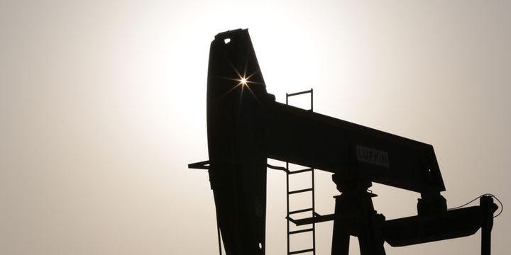 Petrol 3 ayın zirvesinden düştü