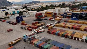 Dış ticaret açığı Mart'ta 4.95 milyar dolar oldu