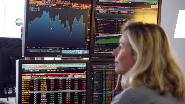 """Küresel piyasalar """"büyüme"""" endişelerinden tedirgin"""