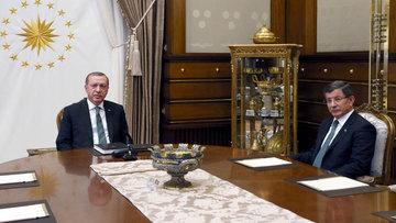 Erdoğan ile Davutoğlu'nun görüşmesi sona erdi
