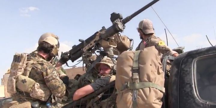 ABD koalisyon sözcüsü: YPG arması taşımaları uygunsuz