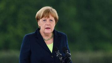 Merkel ile Başbakan Yıldırım telefonda görüştü
