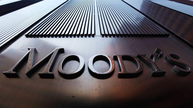 """Moody's İngiltere'nin not görünümünü """"negatif""""e çekti"""