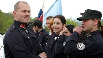 Slovakya'da aşırı sağdan referandum çağrısı