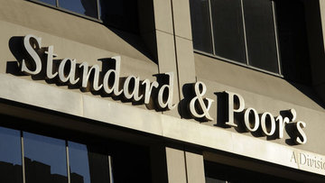 S&P İngiltere'nin kredi notunu iki seviye indirdi
