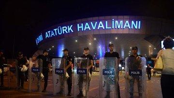 Dünya Atatürk Havalimanı'ndaki terör saldırısını tepkiyle...