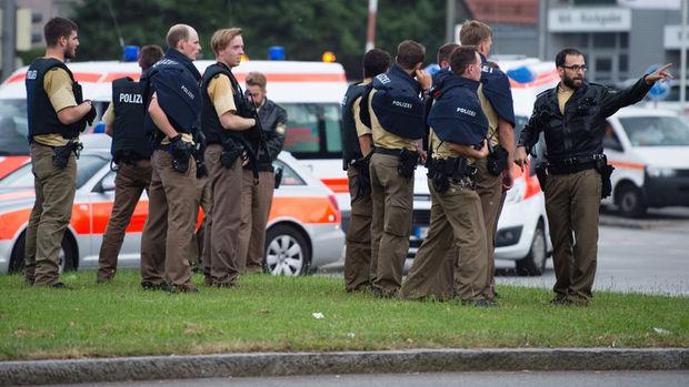 Münih'te silahlı saldırı: 8 kişi öldü