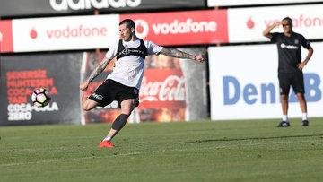 Beşiktaş'ta Sosa kadro dışı bırakıldı