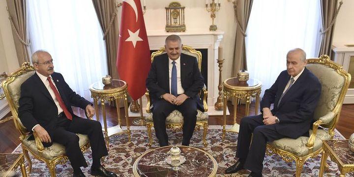 Başbakanlık: FETÖ ile mücadele konusunda liderlere bilgi verildi