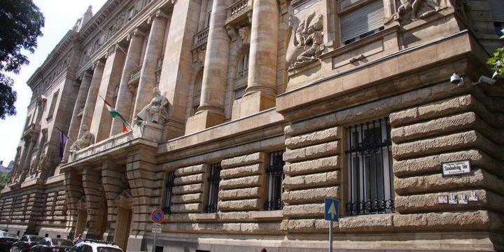 Macaristan Merkez Bankası faizi %0.90