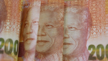 """Güney Afrika varlıkları """"siyasi kargaşa""""nın ardından topa..."""