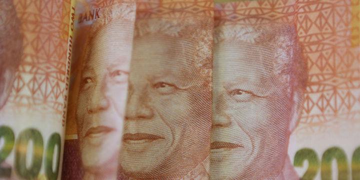"""Güney Afrika varlıkları """"siyasi kargaşa""""nın ardından toparlandı"""